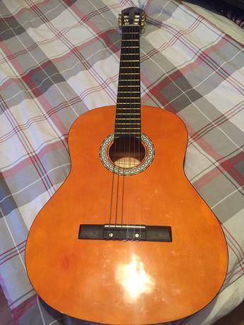 Продам гитару Maxtone  5000т ₽в отличном состоянии