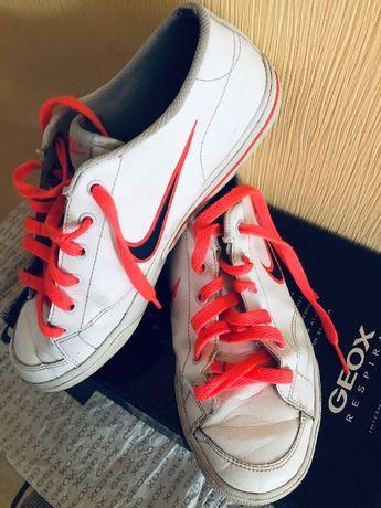 Nike кроссовки кожа