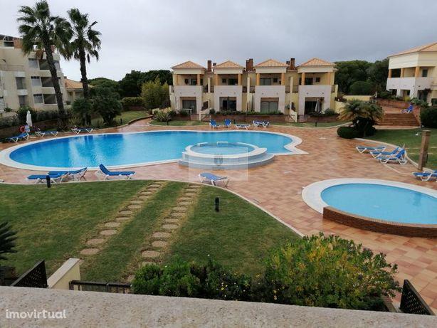 Vilamoura, condomínio Villas Mouriscas, V3 com garagem