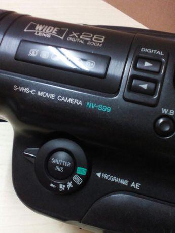Câmara de Filmar Panasonic NV-S99E.