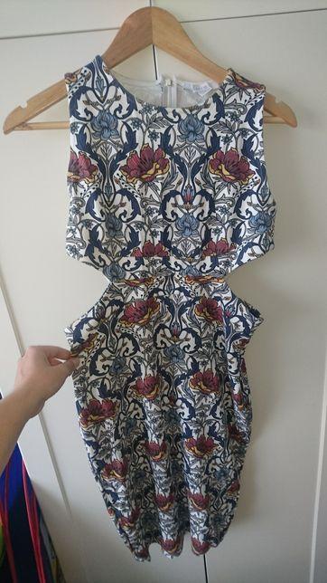Sukienka amisu wyciecia na bokach