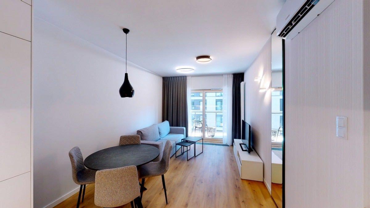 Piękny, klimatyczny apartament z jacuzzi w samym centrum Woli!!!