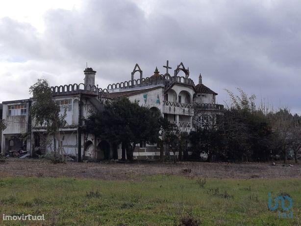 Moradia - 1520 m² - T12