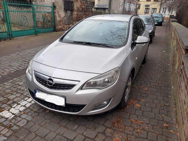 Sprzedam Opel Astra J 1.7 cdti 2011 rok salon PL