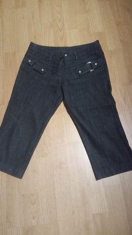 Джинсовые бриджи(27)-50грн,джинсы(28)-50грн.