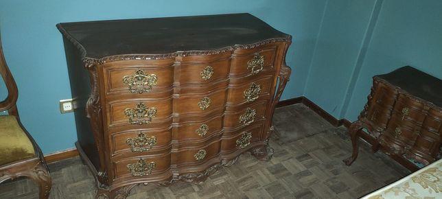 Mobília de quarto com mais de 90 anos