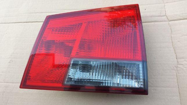 lampa prawa tył prawa tylna GM vectra c kombi GTS Dymiona w karoserii
