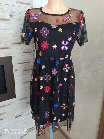 Sukienka w haftowane kwiaty - NOWA Z METKĄ r.M
