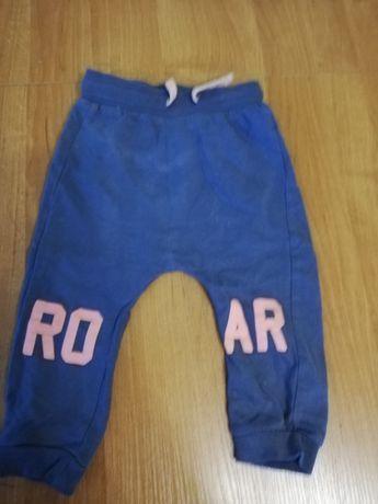 Nowe Spodnie chłopięce 80