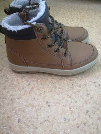 Продам зимние ботинки на меху