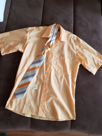 Nowa koszula z krawatem