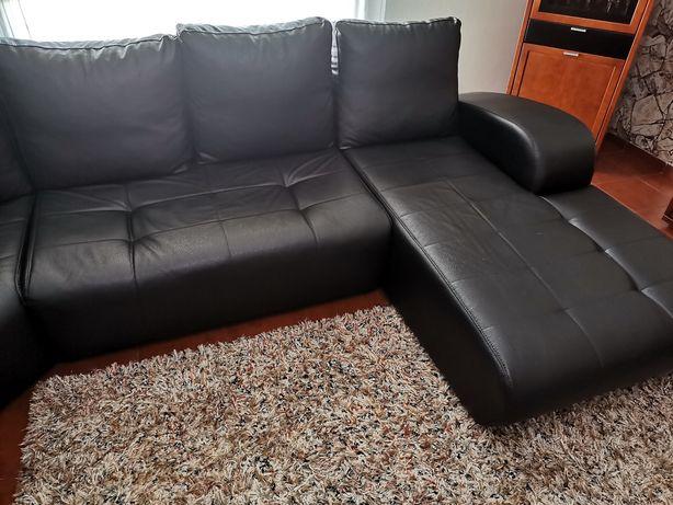 Sofá preto grande (3,5x3m) com chaise longue tecido imita pele