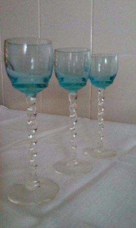 Copos de licor de vidro colorido Vintage