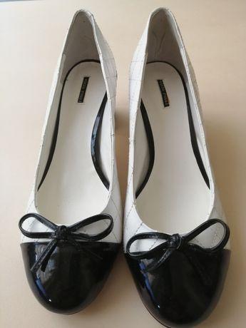 Женские туфли Vitto Rossi новые 39 размер