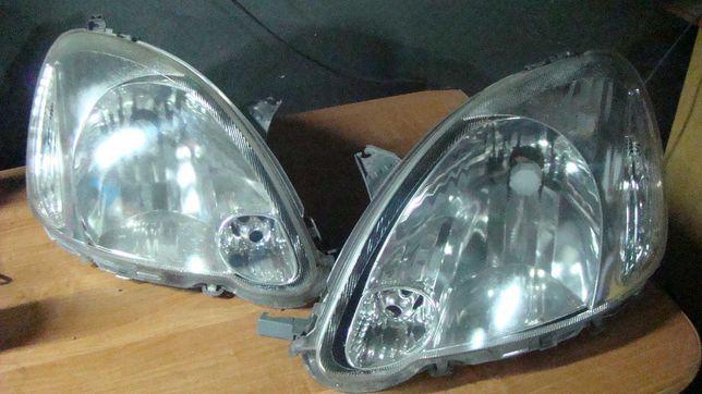 Lampa lampy Toyota Yaris I lift