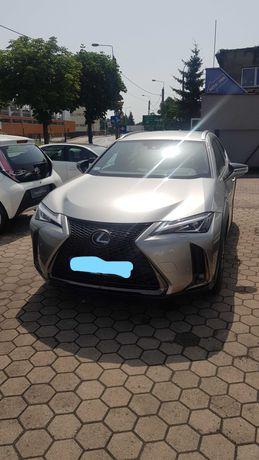 Wypożyczalnia aut oferuje Lexusa UX 250h NOWY