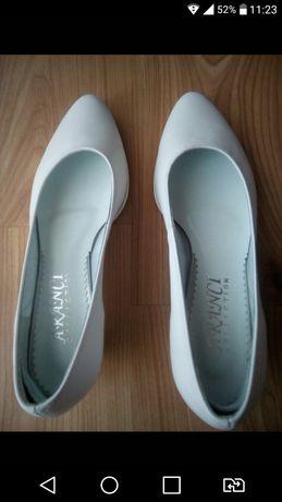 Białe buty ślubne Aranci 42