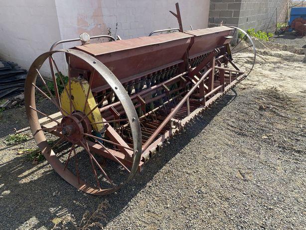 Сівалка тракторна зернова 30лійок 3.0м