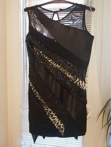 Платье  мини с сеткой и пайетками