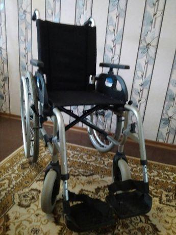 Инвалидная коляска комнатно-уличная