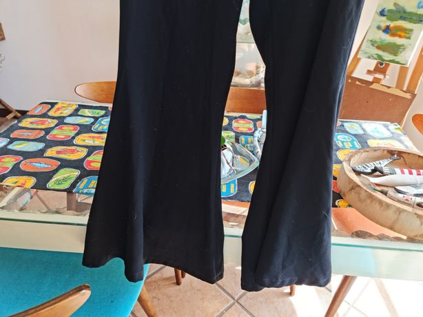 Calças pretas Boca de Sino