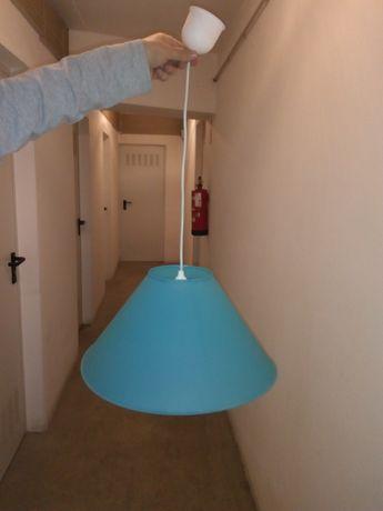 Candeeiro teto azul