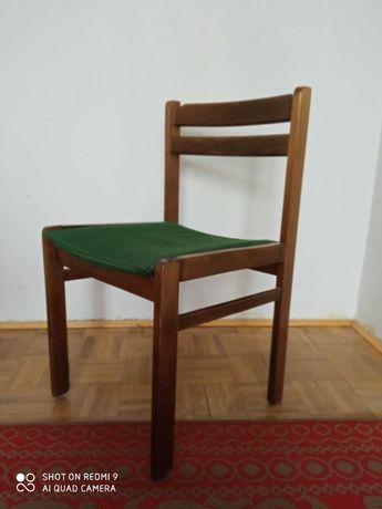 Krzesła z czasów PRL