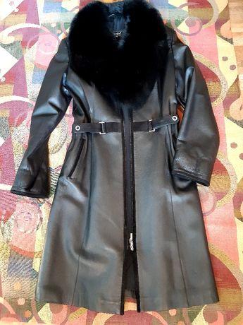 Шкіряне пальто(осінь/тепла зима)