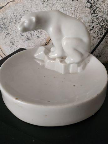 Продам форфоровую статуэтку лфз 30 е годы