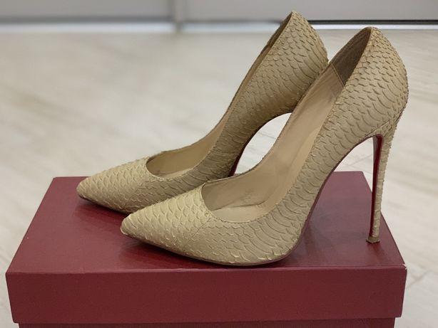 Туфли из кожи питона