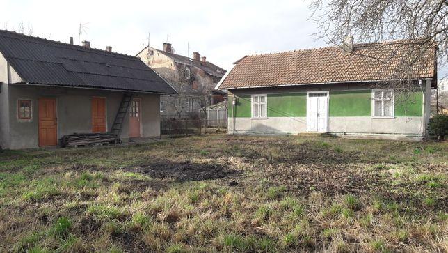 Будинок з літньою кухнею і земля