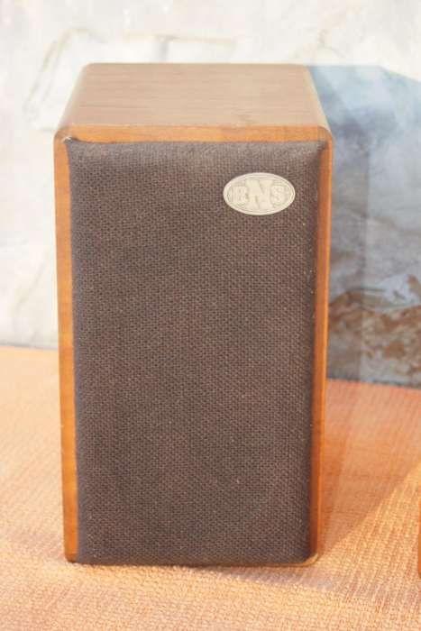 """Alto-falantes """"BNS 200"""" - em madeira maciça Tábua - imagem 1"""