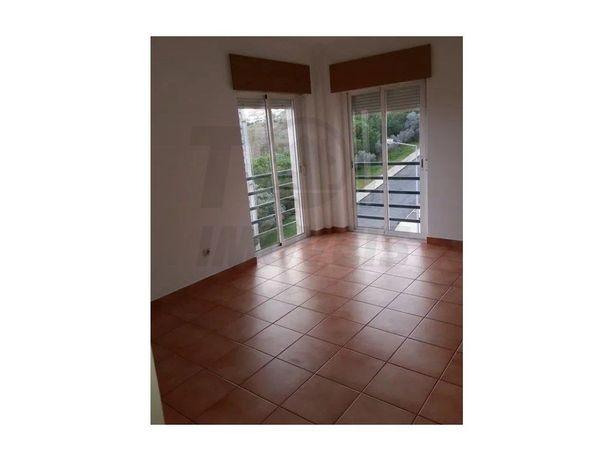 Apartamento T2 em Vialonga - Quinta da Maranhota - 128.000€