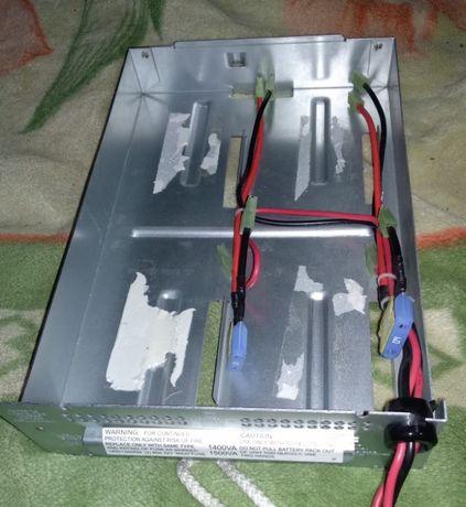Аккумуляторный отсек (под 4 гелевых аккумулятора)