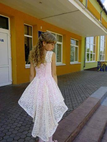 Продам дитяче плаття.