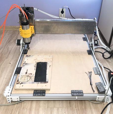 Frezarka CNC + komputer