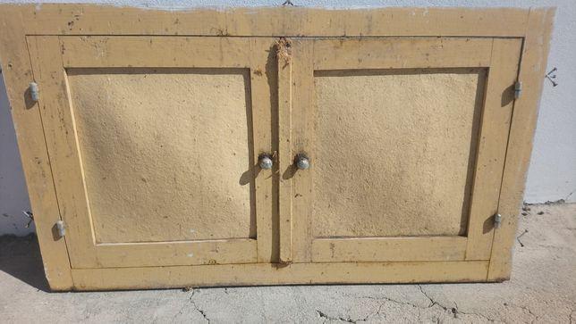 Portas antigas bancada cozinha