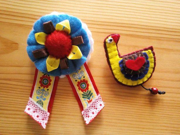 Folk hand made broszki kotylion i gąska
