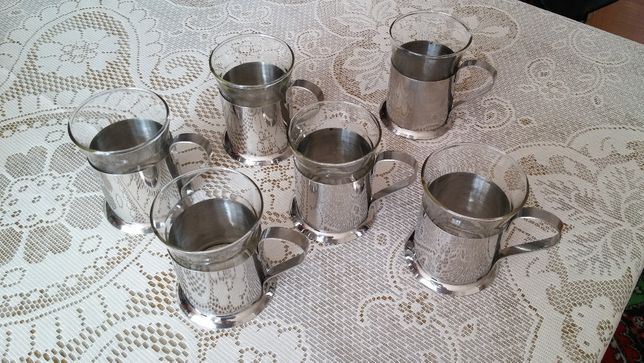 Oryginalny komplet małych szklaneczek z uchwytami ze stali nierdzewnej