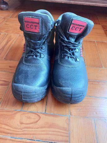Calçado de segurança - Biqueira de aço