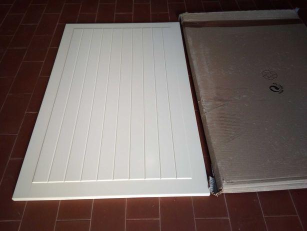 Portas IKEA novas brancas de madeira de armário