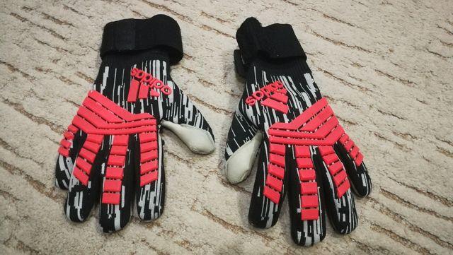 Rękawice bramkarskie Adidas Predator r. 8,5