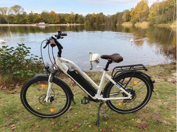 NCM Milano Plus Bicicleta elétrica de Trekking, 250W, 48V 768Wh/16Ah
