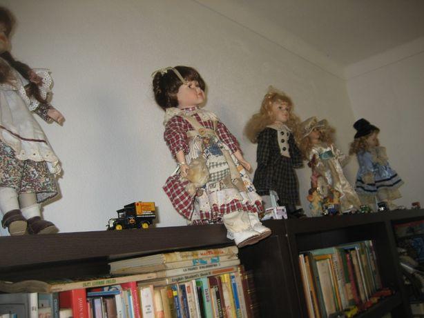 Cinco bonecas