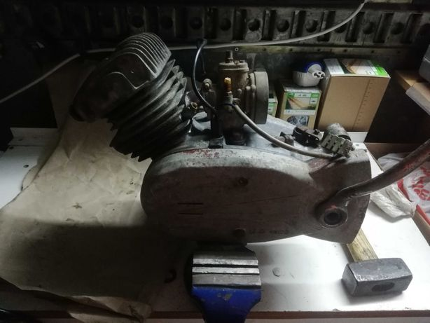 Vendo motor casal 2 vel. Para reparar/peças