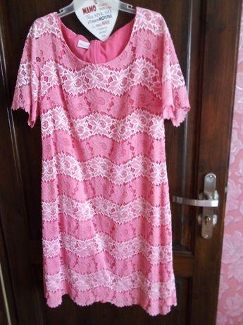 Sukienka koronkowa 46