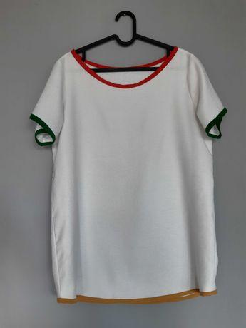 T-shirt biały z kolorowymi lamówkami