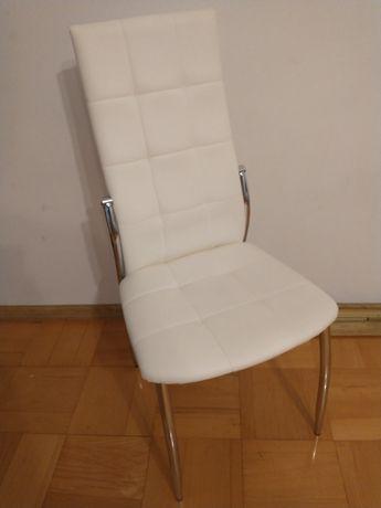 Krzesła siedziska ekoskora pikowane białe salon Glamour