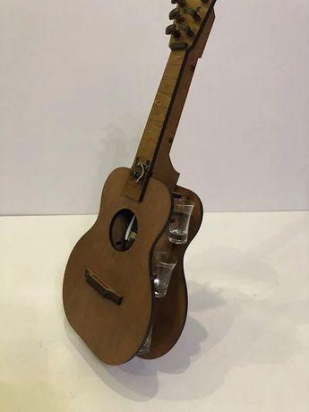 НОВЫЙ Мини-бар Гитара с рюмками (505*205*100 mm)