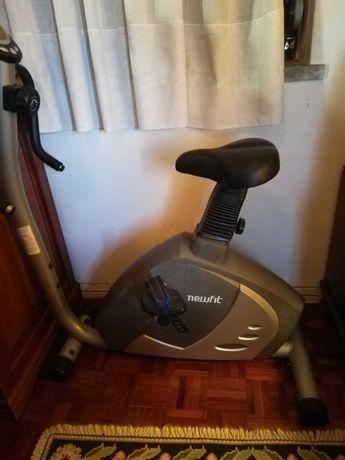 Bicicleta de exercício estática
